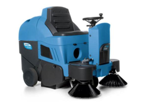 驾驶式自动扫地机